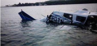 Tres muertos y un herido al caer una avioneta en el Caribe de Honduras