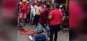 EN LOS ALCARRIZOS, multitud lincha a palos presunto asaltante; otro resulta herido