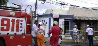 EN SANTIAGO, fuego afectó local comercial…
