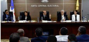 Suspensión de las elecciones municipales en la agenda de la JCE y delegados de partidos