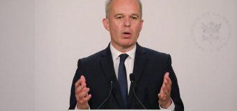 Renuncia ministro francés acusado de estilo de vida lujoso
