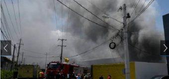 Fuego afecta a la Junta Central Electoral