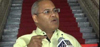 Viceministro denuncia usan tarjetas Solidaridad para ayudar candidatura Leonel…