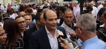 Ramfis apoya denuncia de obispo de Baní