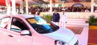 ENHORABUENA: Premian cadete con un carro por su alto índice académico